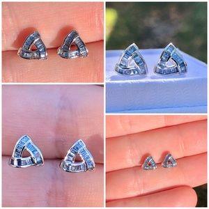 Rare 10k gold genuine .30ts blue diamond earrings